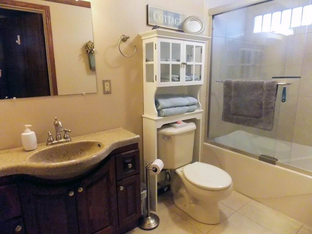 Redstone Full Bath